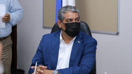 Luis Francisco Sucre: hospitales privados podrán vacuna