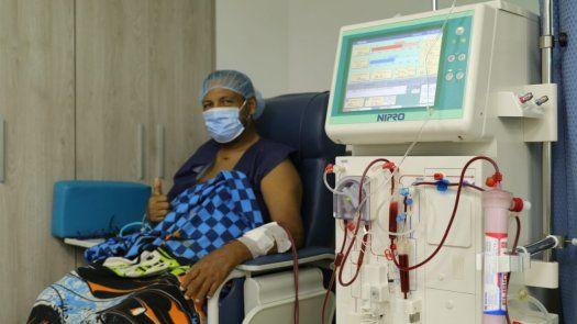 400 mil pacientes crónicos fueron vacunados, según informó la AIG