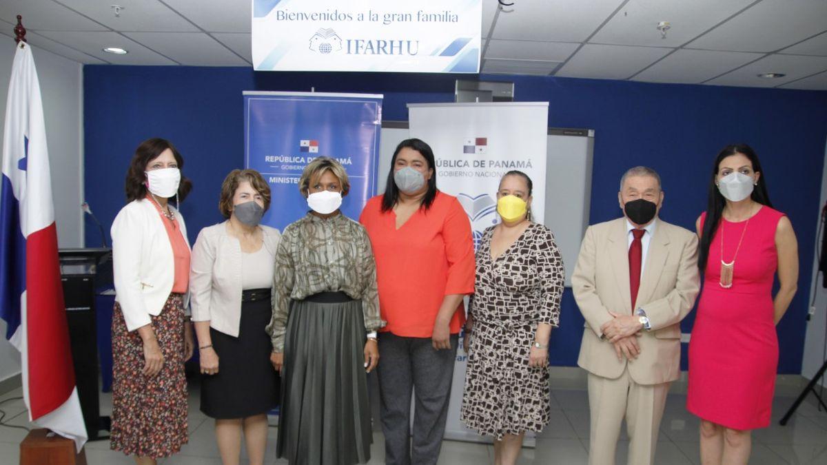 IFARHU y MINSA anuncian concurso de becas para medicina