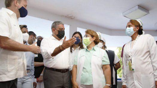 El ministro Luis Francisco Sucre aseguró que hay una hoja de ruta para la inclusión de hospitales privados para la vacunación contra covid-19 en Panamá.